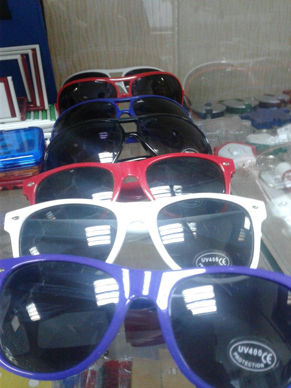солнцезащитные очки с логотипом на заказ